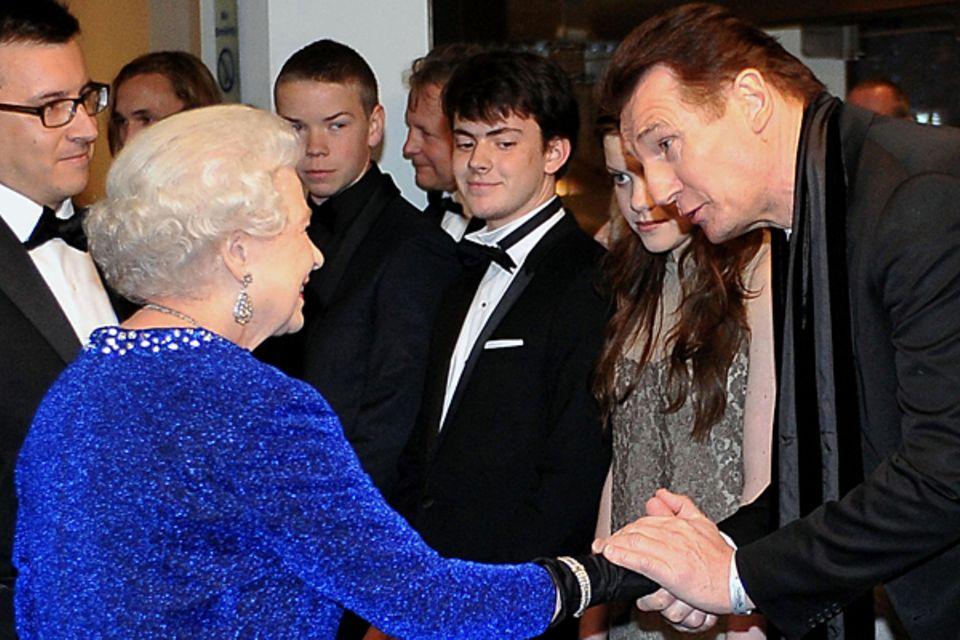 2010: Königin Elisabeth II. und Liam Neeson