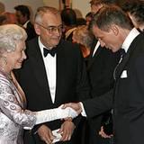 2007: Königin Elisabeth II. und Daniel Craig
