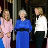 2004: Königin Elisabeth II. und Kate Moss, J.K. Rowling, Heather Mills, Charlotte Church