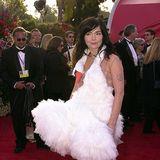2001: Björk in Marjan Pejoski  Das Schwanen-Kleidist augenblicklich zum Klassiker unter den schlimmsten Oscar-Looks aller Zeiten geworden. Eine Kunst für sich!