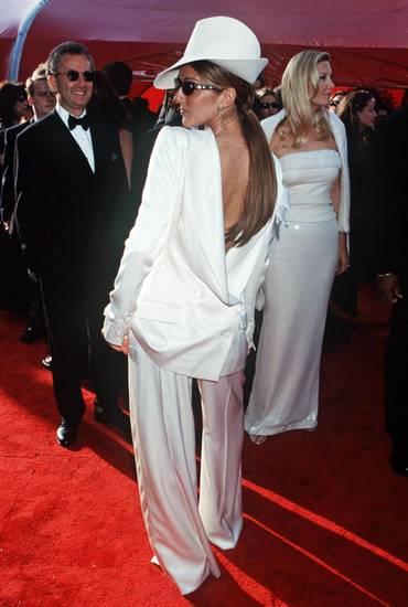 """1999: Celine Dion: Kennen Sie die Szene aus """"Der Tod steht ihr gut"""", in der Meryl Streep sich den Hals um 180 Grad verdreht? Cel"""