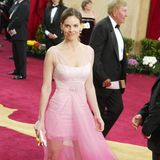 2003: Hilary Swank: Ein Traum in Pink und Tüll. Hilary Swank scheint sich im Moment der Kleiderwahl an die unbeschwerten Zeiten