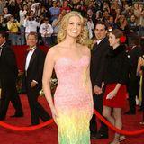 """2002: Faith Hill in Versace: """"Ich bringe euch Frieden, Freude und pastellige Regenbogenfarben, und mein Einhorn habe ich direkt"""