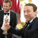 """Also doch?! Nein, das ist der Oscar von Robert Richardson (beste Kamera für """"Hugo""""). Der hat uns den in die Hand gedrückt, und d"""