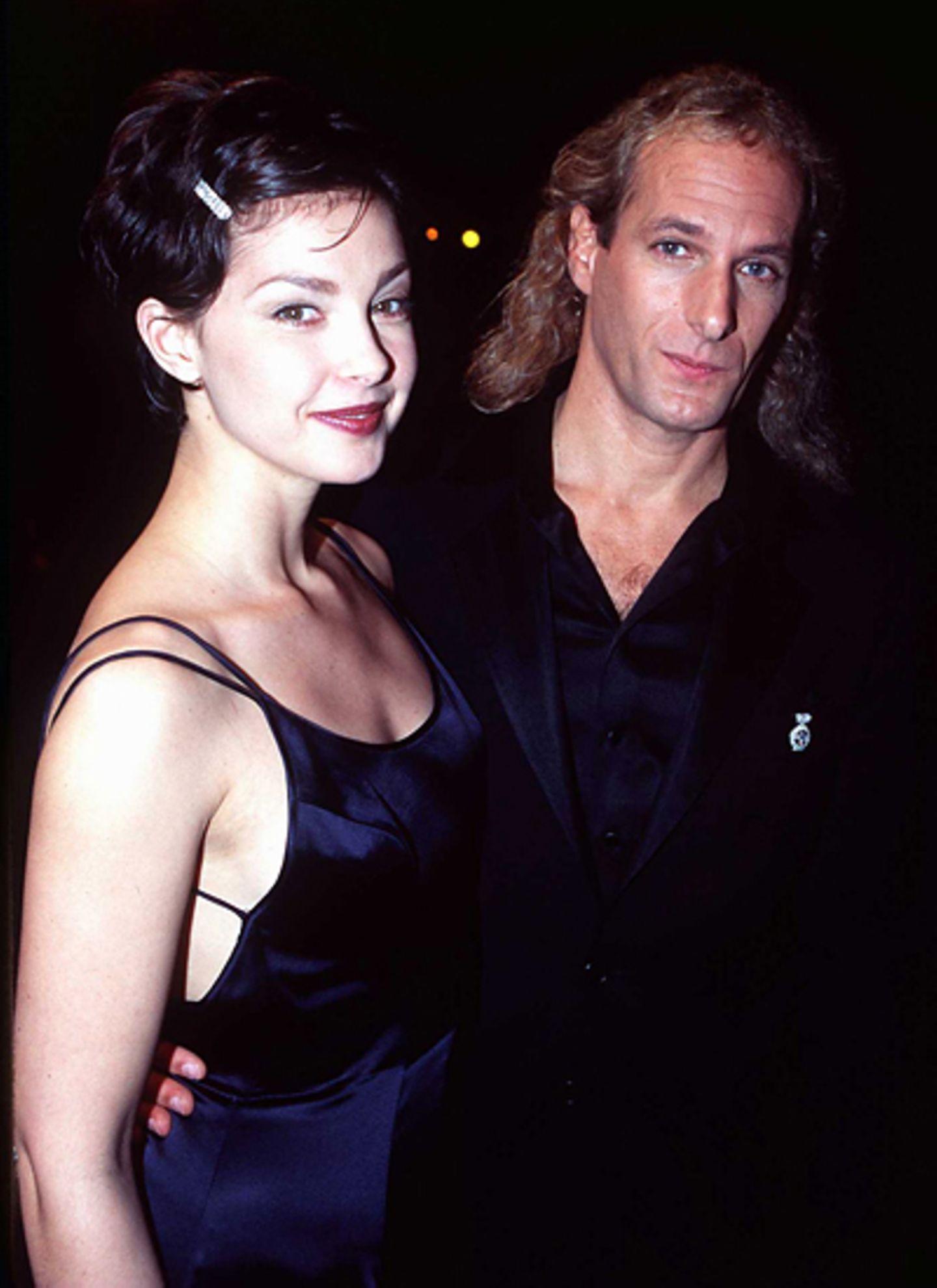 Ashley Judd and Michael Bolton: Die weiblichen Fans sind damals geschockt, als sich Michael Bolton Hals über Kopf in die amerika