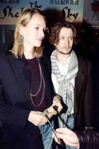 Uma Thurman und Gary Oldman: Uma Thurman ist gerade einmal süße 19 Jahre als sie den zwölf Jahre älteren Gary Oldman heiratet. B