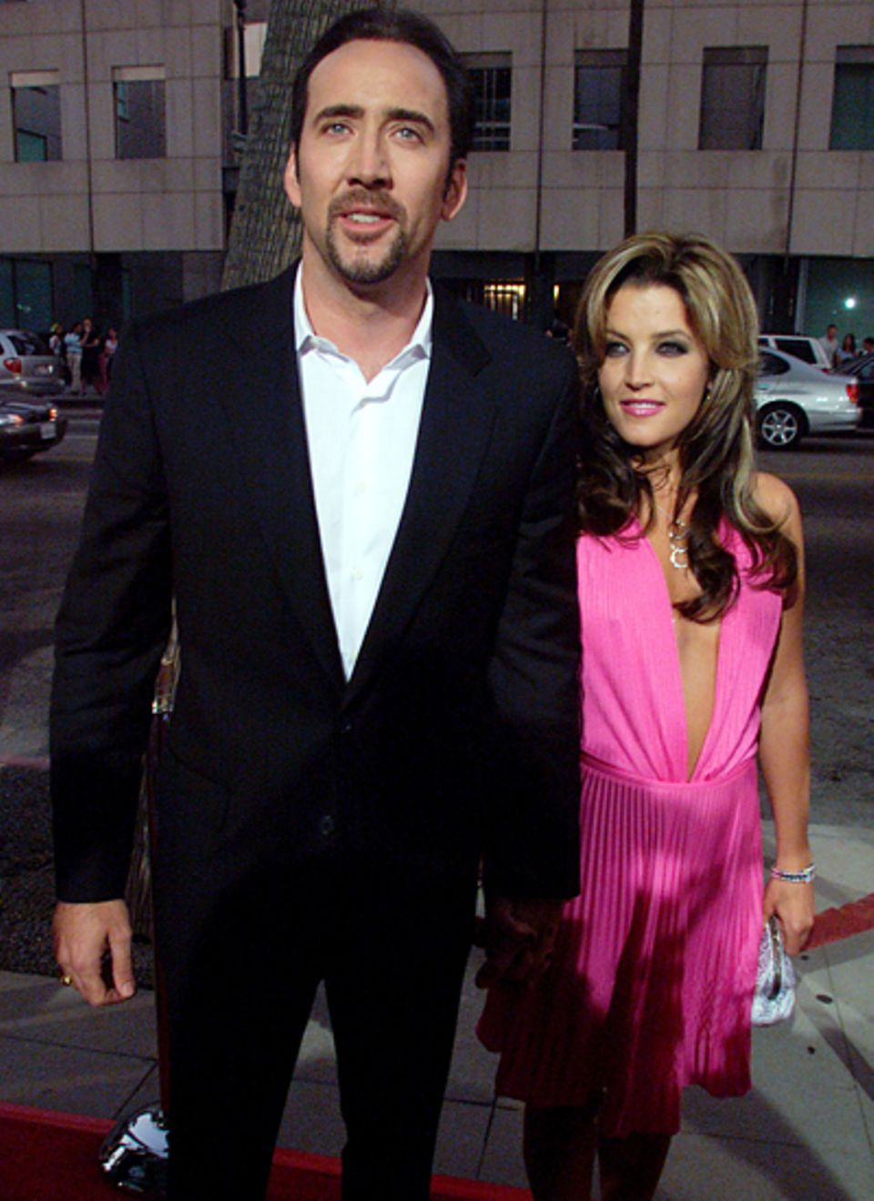 Nicolas Cage und Lisa-Marie Presley : Vier Jahre lang sind Schauspieler Nicolas Cage und Lisa-Marie Presley ein Paar. Beide lass