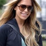 Selbst auf dem Weg zum Sport müsste sich Sylvie Meis für ihre Frisur eigentlich nicht hinter einer so großen Sonnenbrille verstecken. Denn mit einer leichten Hamburger Brise im Haar sieht dieses direkt nach schöner, voluminöser Wallemähne aus.