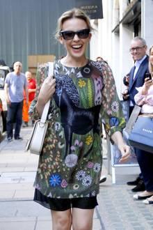Print-Kleider - Kylie Minogue