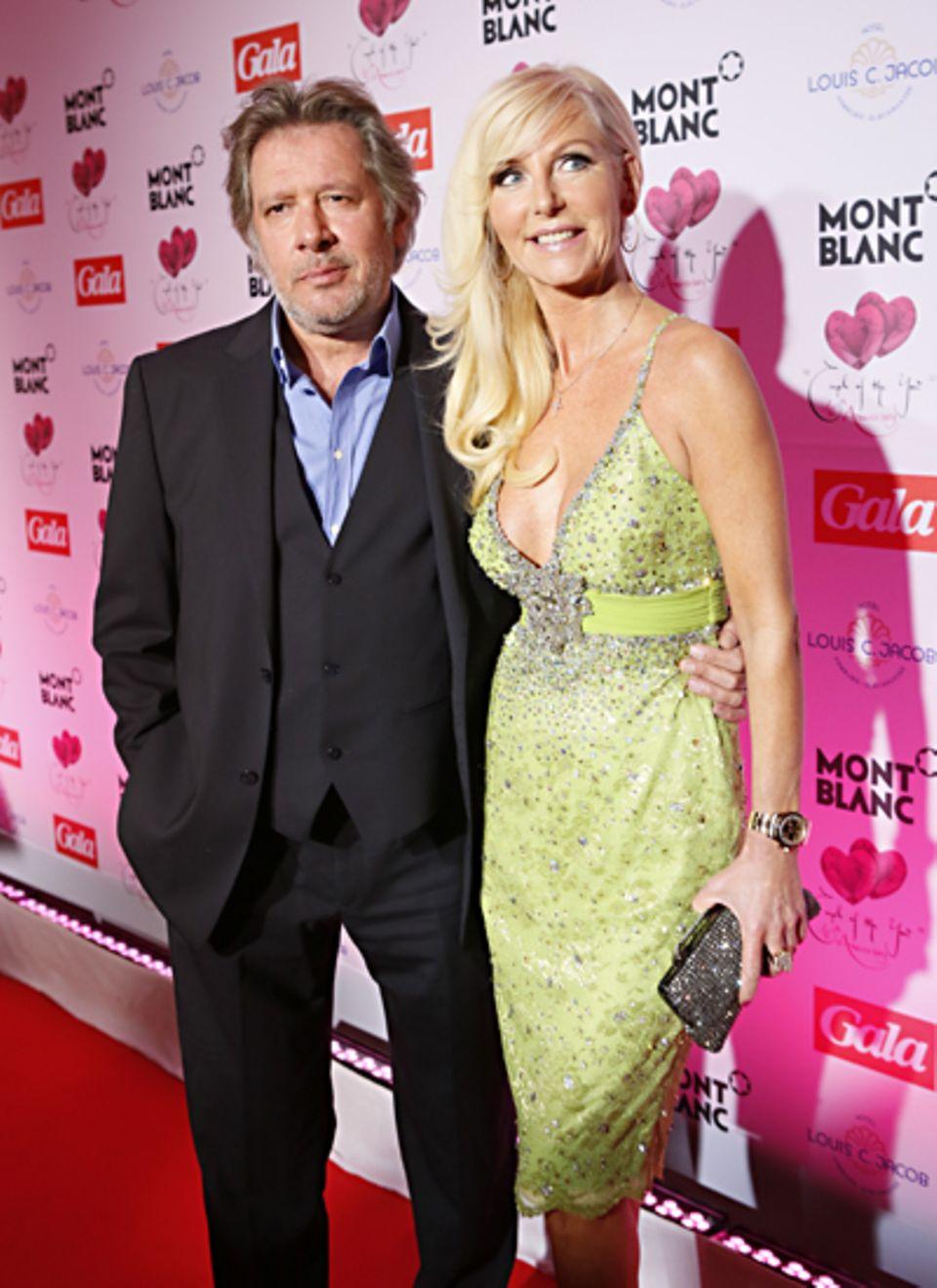 Der Hamburger Kultschauspieler Jan Fedder hat seine Frau Marion mitgebracht.