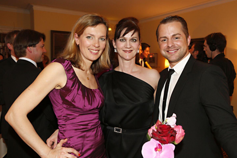 Astrid Saß (stellvertretende GALA-Chefredakteurin) mit Christina Sennlaub und Norman Pohl (Dior)