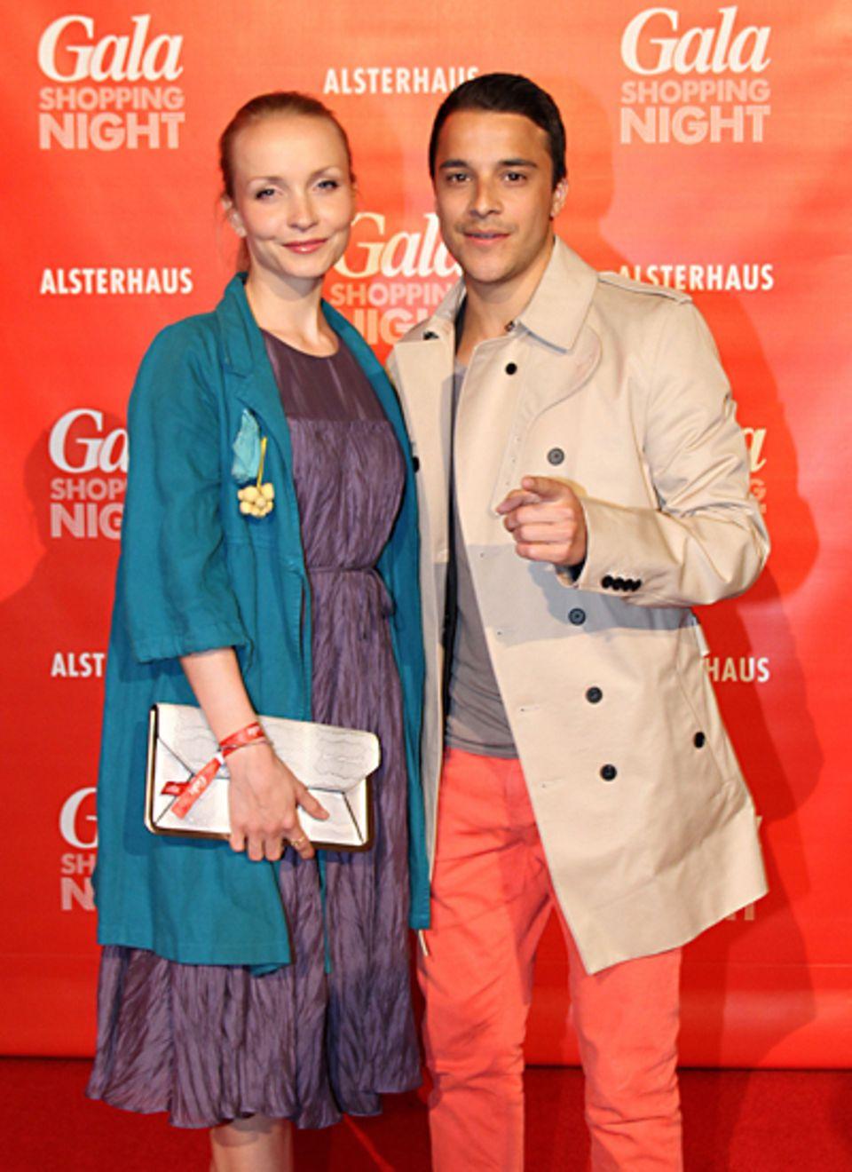 Janin Reinhardt und Kostja Ullmann sind schon in Night-Shopping-Laune.