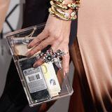Astrid Munoz, die in einem schmeichelnden Abendkleid von Vionnet kam, krönte den Look mit der Clutch aus Plexi-Glas.