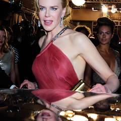 """Cannes 2012: Nicole Kidman macht sich nach der """"The Paperboy""""-Premiere auf den Weg in die Limousine."""