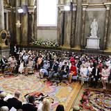 Über 400 Gäste haben sich in der Schlosskirche versammelt.