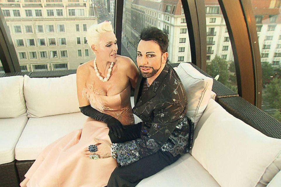 Zur Einweihung seines neuen Showrooms in Berlin-Mitte hat er auch seine gute Freundin Brigitte Nielsen eingeladen.