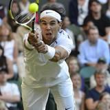 Der Einsatz hat sich nicht gelohnt: Am vierten Tag des Wimbleton-Turniers verliert der Weltranglistenzweite Rafael Nadal spektak