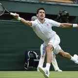 Er darf das Auftakt-Match bestreiten: Der Serbe Novak Djokovic eröffnet als Vorjahressieger das Turnir in Wimbledon.