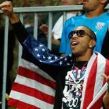 Der Rapper Ludacris feuert das US-amerikanische Basketballteam gegen das Team aus Argentinien an.