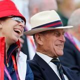 Prinzessin Anne und Prinz Philip drücken Zara Phillips im Vielseitigkeitsreiten die Daumen.