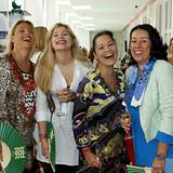 Lachende Gäste haben wir am liebsten: ... Tochter Cruse, Nicole Mrosek, Martina Cruse, (beide Riani GmbH)
