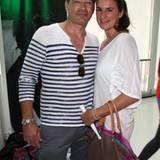 Jan Sosniok ist mit seiner Freundin Nadine Möllers da.