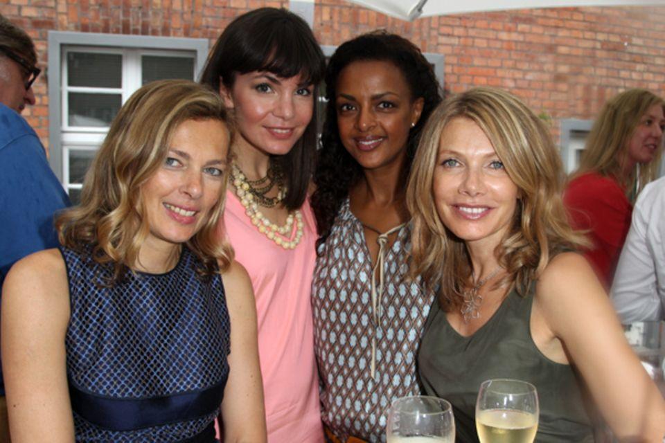 Schöne Frauenrunde: Astrid Saß (Gala), Nadine Warmuth, Dennenesch Zoudé und Ursula Karven
