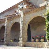 Das alte Weingut im südfranzösischen Correns-Distrikt bezog die Familie nach Ankunft ihrer Zwillinge Vivienne und Knox im Sommer