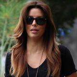 Frisch gefönt vom Hairdresser sehen die hell gefärbten Spitzen in Eva Longorias haselnussbrauner Mähne besonders hübsch aus.