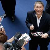 """Der japanische Regisseur Takeshi Kitano stellt seinen Film """"Outrage Beyond"""" vor. Er gewann bereits einmal den """"Goldenen Löwen"""" i"""