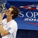 Der Schotte Andy Murray gewinnt seinen ersten Grand-Slam-Titel in einem spannenden fünf-Satz-Krimi gegen den Serben Novac Djokov