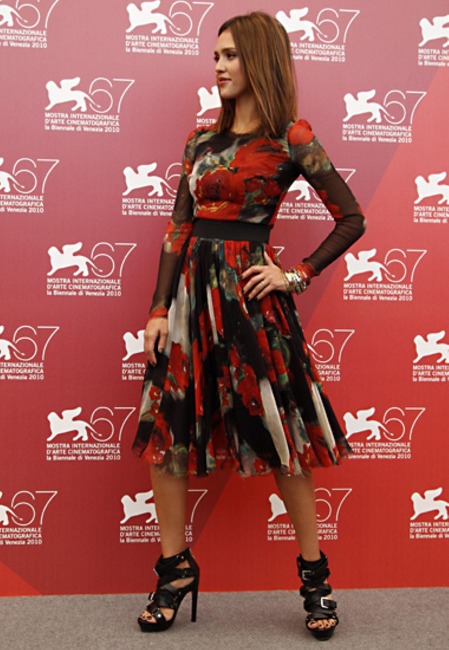 Fashion-Looks Jessica Alba, September 2010