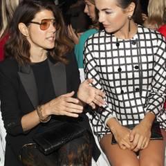 ...und Marisa Tomei und Camille Belle sitzen daneben.