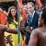 Catherine und William schauen sich die Begrüßungszeremonie ganz genau an.