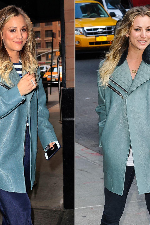 """""""The Big Bang Theory""""-Star Kaley Cuoco hat in ihrem türkisblauen Ledermantel mit gestepptem Kragen und schrägen Reißverschlüssen einen treuen Begleiter gefunden."""