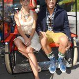 Lena Gercke und Sami Khedira lassen sich zur Festwiese radeln.