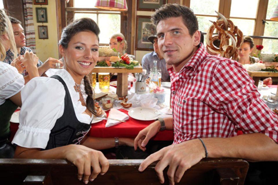 Mario Gomez und seine Freundin Silvia Meichel