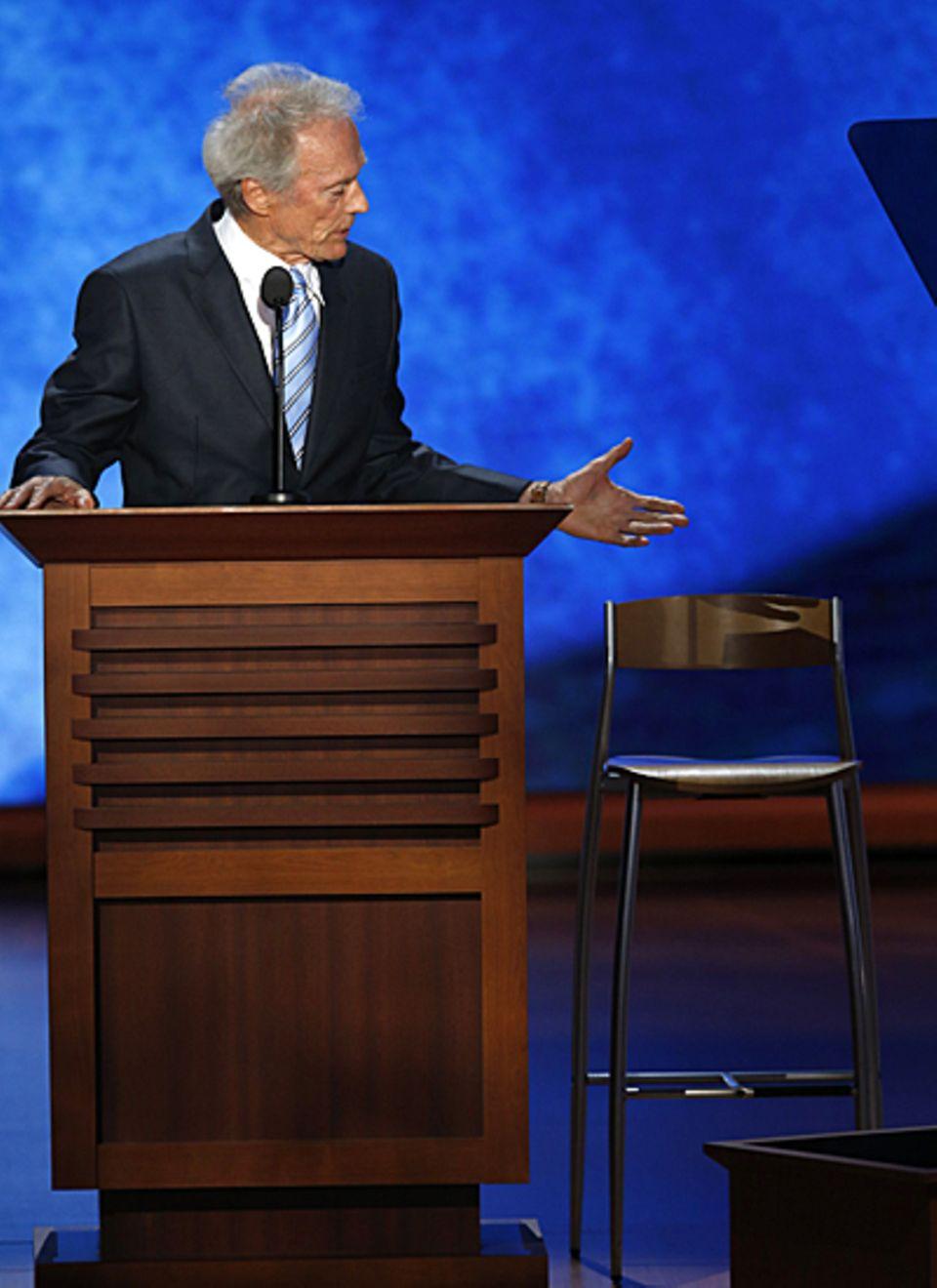 Clint Eastwood ist bekennender Romney-Fan. Beim Parteitag der Republikaner legt er allerdings einen Auftritt hin, der eher als w