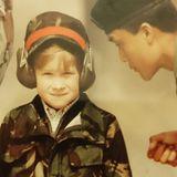 Der Kensington Palast zeigt auf Instagram dieses süße Kinderbild von Prinz Harry.