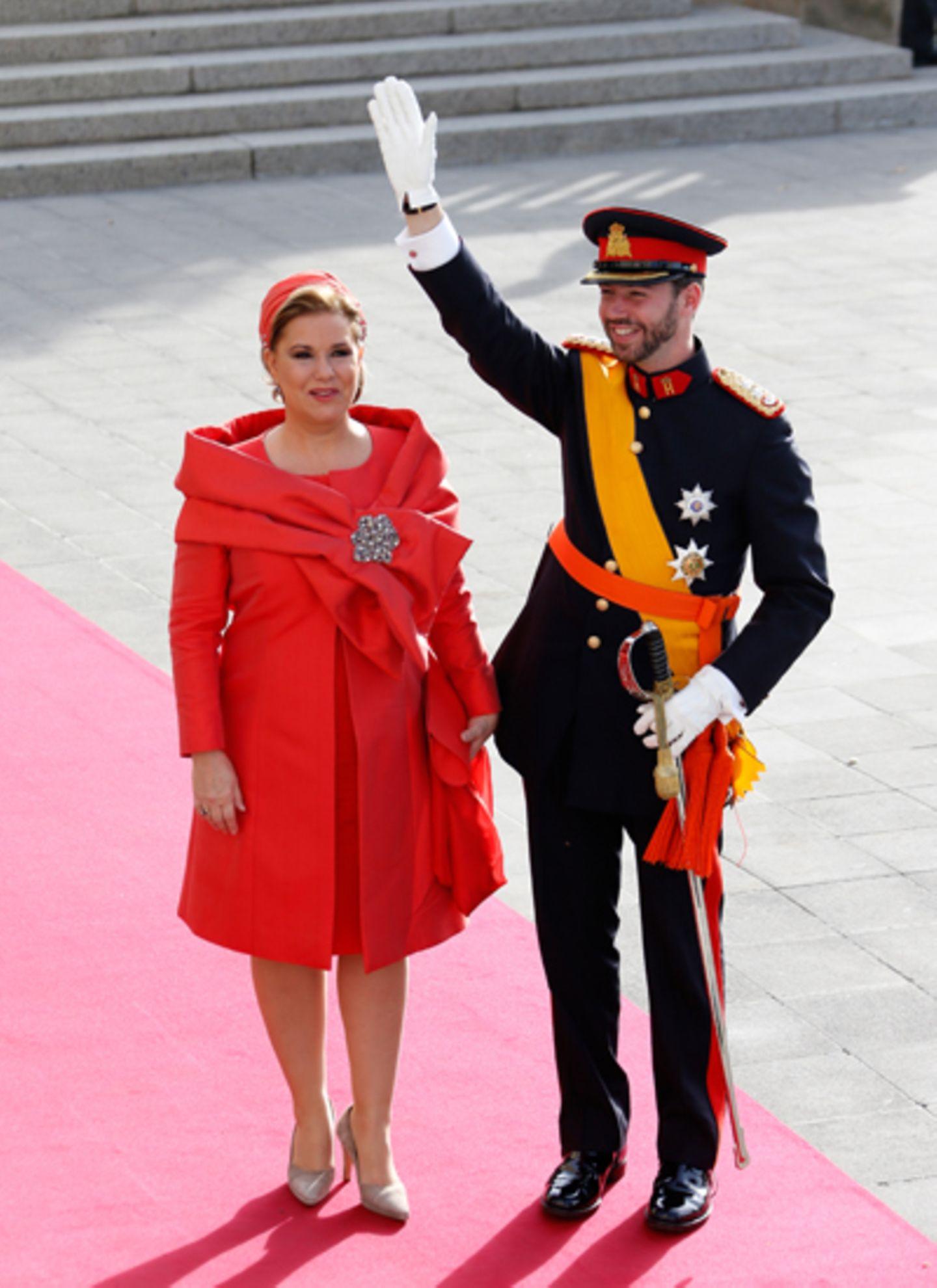 ... und wird von seiner Mutter Gräfin Maria Teresa begleitet.