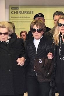 Schock für Königin Beatrix der Niederlande: ihr zweiter Sohn, Prinz Friso, schwebt in Lebensgefahr. Beim Skifahren wurde er von