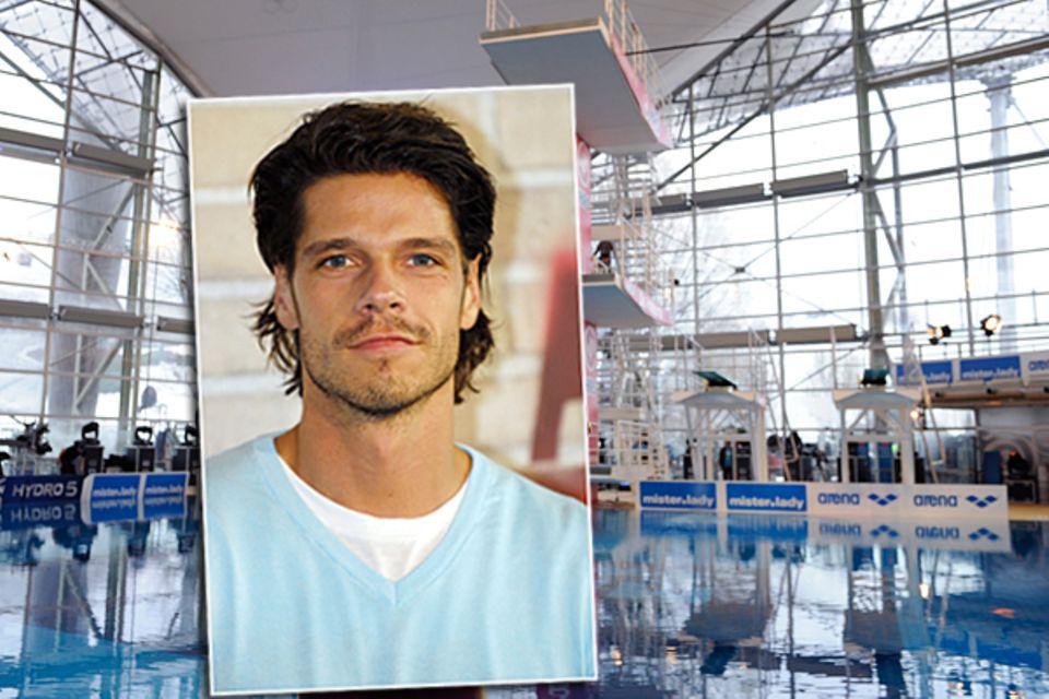 """Stephen Dürr zog sich bei den Proben zum """"TV-Total-Turmspringen"""" von Stefan Raab bei einem Sturz schwere Verletzungen zu. Der Sc"""
