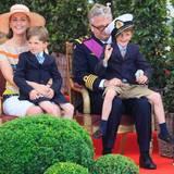Auch Prinz Laurent von Belgien und Ehefrau Claire sind Zwillingseltern: Ihre Söhne Nicolas (rechts) und Aymeric wurden 2005 geboren.