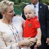 Groß ist er geworden: Prinz Jacques mit seiner Mutter Fürstin Charlène im September 2016 bei einem Picknick in Monaco.