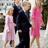 Die Kinder des belgischen Königspaares, Prinzessin Eléonore, Prinz Gabriel, Prinz Emmanuel und Prinzessin Elisabeth feiern den belgischen Nationalfeiertag und sind auf dem Weg zu einem Gottesdienst.