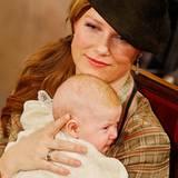 Prinzessin Märtha Louise hält Tochter Emma Tallulah bei deren Taufe im Januar 2009 fest im Arm. Die kleine Prinzessin von Kronpr