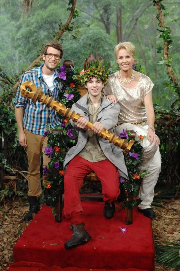 """Sonja Zietlow und Daniel Hartwich krönen Joey Heindle zum neuen Dschungelkönig. Alle Infos zu """"Ich bin ein Star - Holt mich hier raus!"""" im Special bei RTL.de: http://www.rtl.de/cms/sendungen/ich-bin-ein-star.html"""