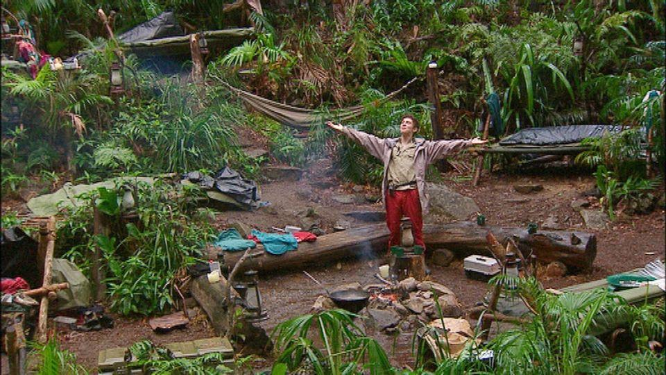 """Der letzte Verbliebene im Camp - Joey Heindle ist der neue Dschungelkönig. Alle Infos zu """"Ich bin ein Star - Holt mich hier raus!"""" im Special bei RTL.de: http://www.rtl.de/cms/sendungen/ich-bin-ein-star.html"""