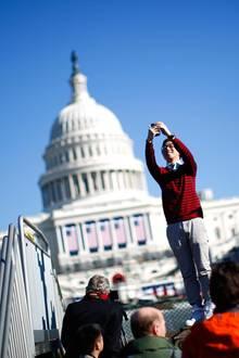 Alle wollen bei der Amtseinführung mitfeiern: Zwei offizielle Bälle mit rund 40 000 Eingeladenen, eine festliche Parade und jede Menge andere Events machen Washington zur Party-Hauptstadt.