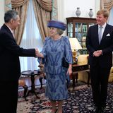 Der Besuch aus den Niederlanden wird vom Premierminister von Singapur, Lee Hsien Loong, begrüßt.